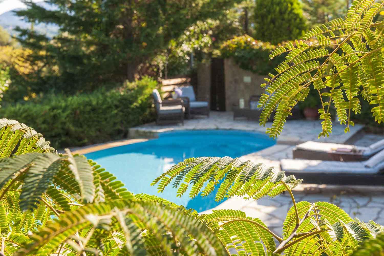 βίλα με ιδιωτική πισίνα για οικογένειες, πανέμορφο μεγάλο κήπο