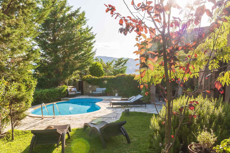 βίλα με ιδιωτική πισίνα στη Λευκάδα, ένα υπέροχο κήπο