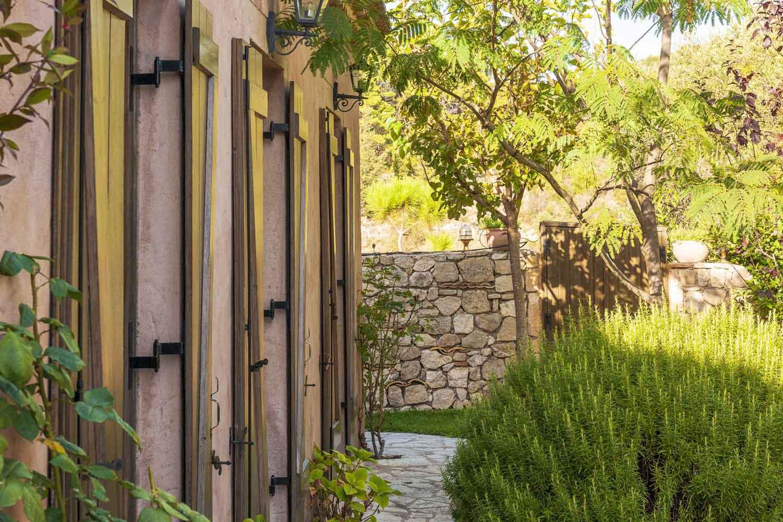 βίλα με ιδιωτική πισίνα προς ενοικίαση,  τέλειος κήπο