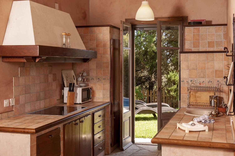 βίλα με ιδιωτική πισίνα, πλήρως εξοπλισμένη κουζίνα