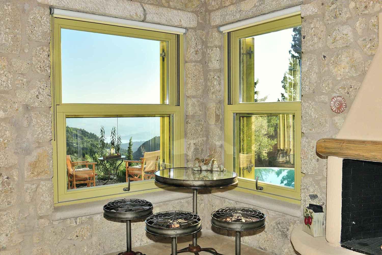 βίλα με ιδιωτική πισίνα για πολυτελείς διακοπές, ζουν την άποψη δωματίου