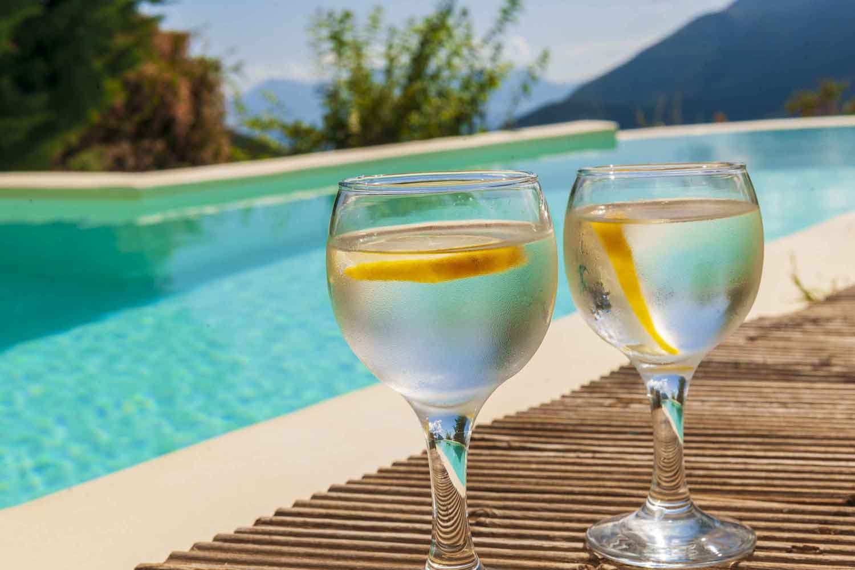βίλα με ιδιωτική πισίνα για ζευγάρια, χαλαρώστε με ένα ποτό στην πισίνα σας