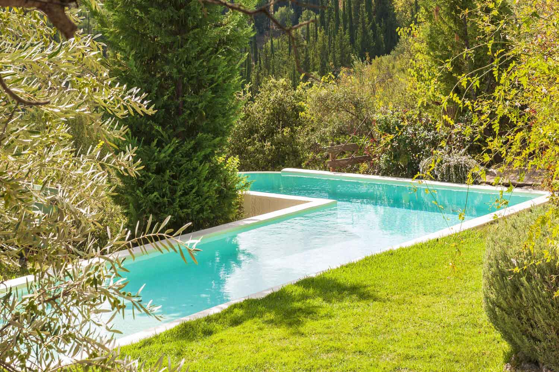 βίλα με ιδιωτική πισίνα προς ενοικίαση,  όμορφο τοπίο κήπο