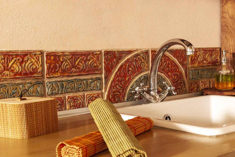βίλα με ιδιωτική πισίνα, πολυτελείς λεπτομέρειες της κουζίνας