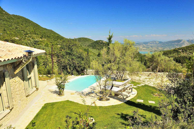 βίλα με ιδιωτική πισίνα για ζευγάρια, εκπληκτική θέα από τον κήπο