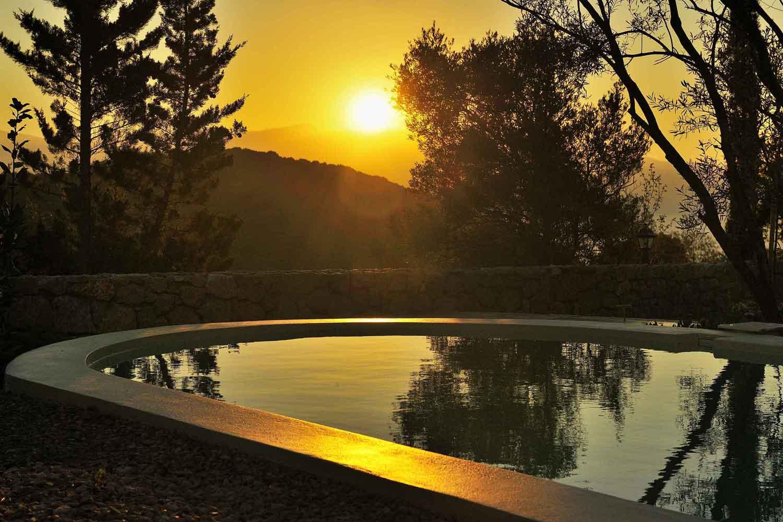 βίλα με ιδιωτική πισίνα για πολυτελείς διακοπές, καταπληκτική θέα την ανατολή του ηλίου