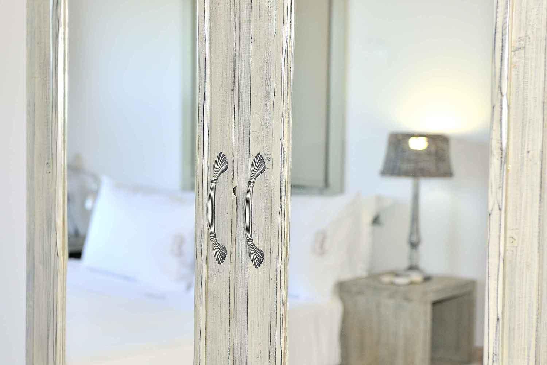 βίλα με ιδιωτική πισίνα στη Λευκάδα, κομψά διακοσμημένο υπνοδωμάτιο