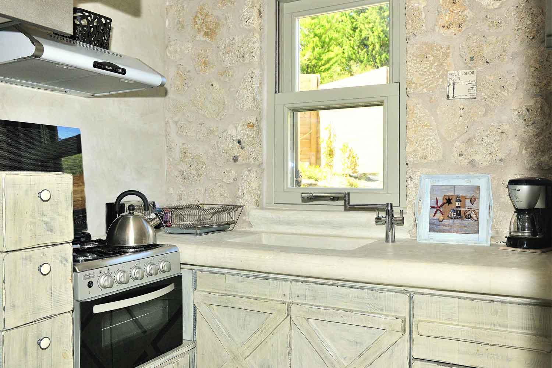 βίλα με ιδιωτική πισίνα - θέρετρο, πλήρως εξοπλισμένη κουζίνα